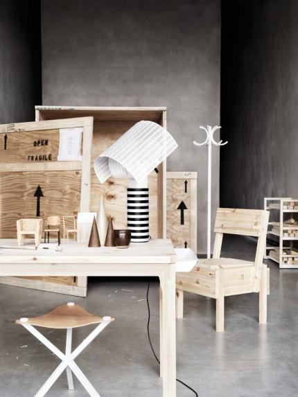 arbetsrum-mdf-plywood-gor-om-arbetsplatsen-skrivbord-skrivbordslampa-