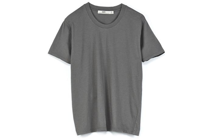 12. T-shirt, 595 kr, Hope