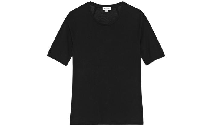 15. T-shirt, 800 kr, Totême