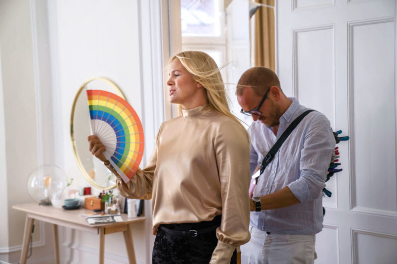 Anja Pärson på plåtning för sitt och hustruns samarbete med Ellos.