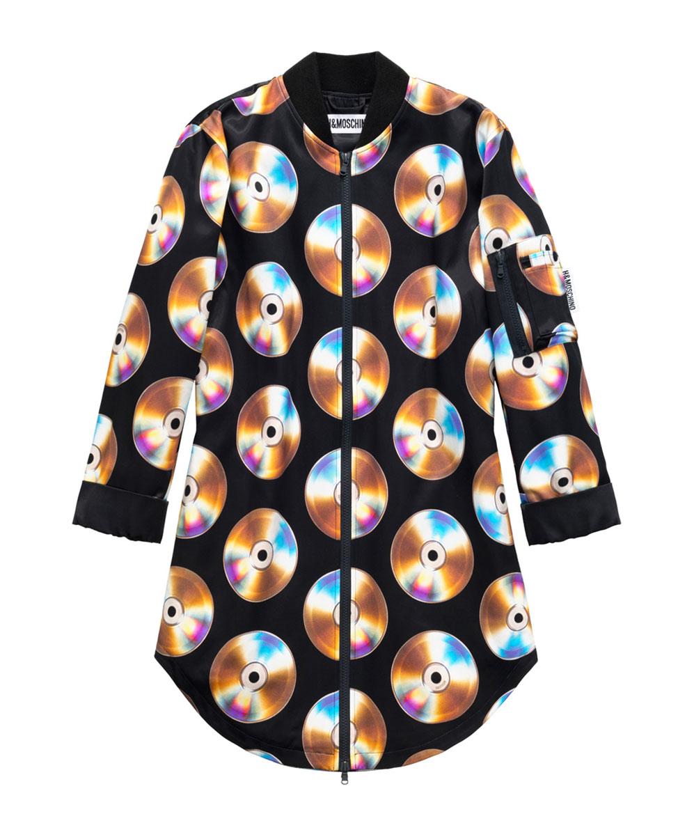 Svart klänning med motiv av cd-skivor H&M x Moschino