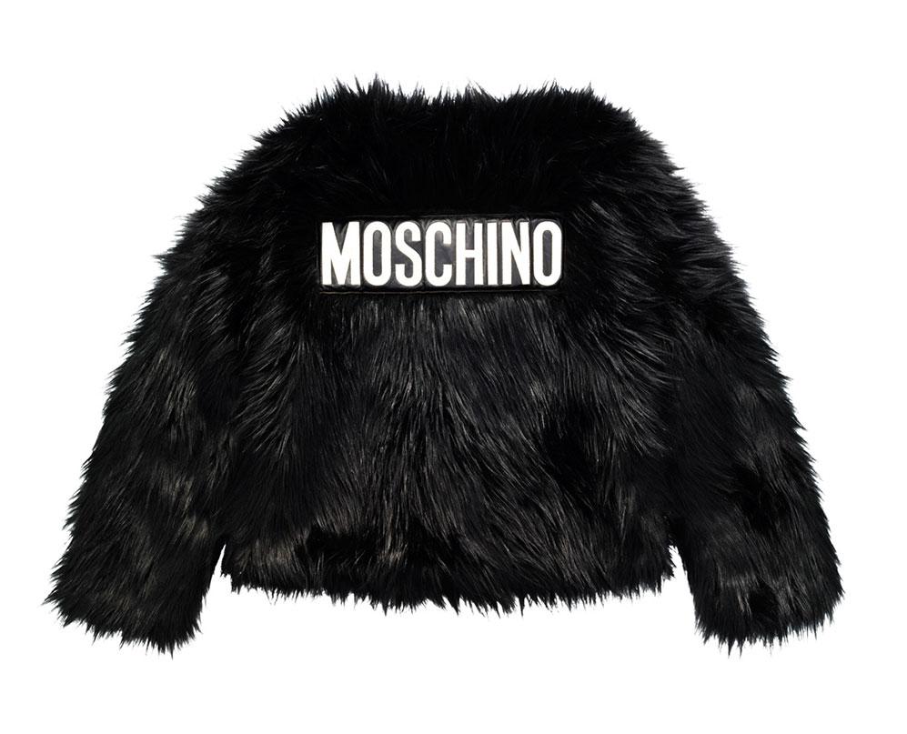 Svart fuskpälsjacka med logo från H&M x Moschino