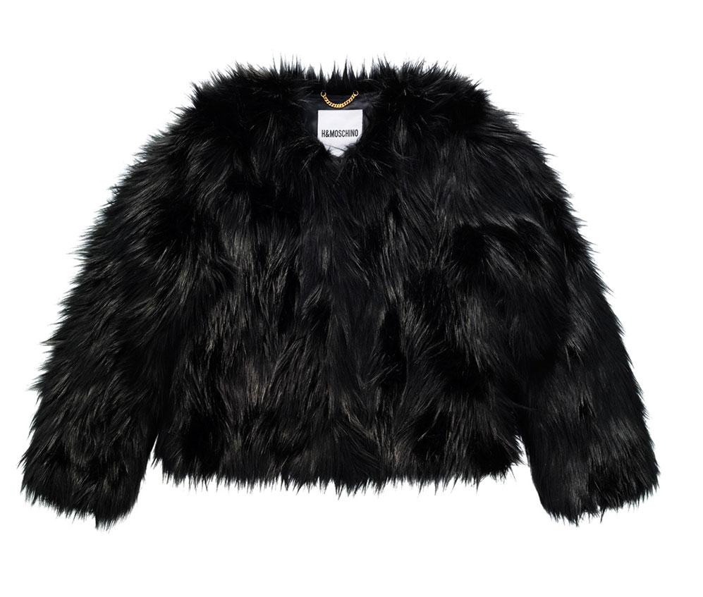 Svart fuskpälsjacka från H&M x Moschino