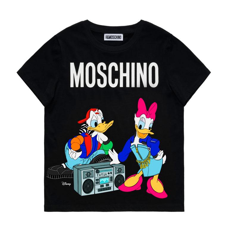 Svart t-shirt med motivet Kalle och Kajsa Anka. H&M x Moschino