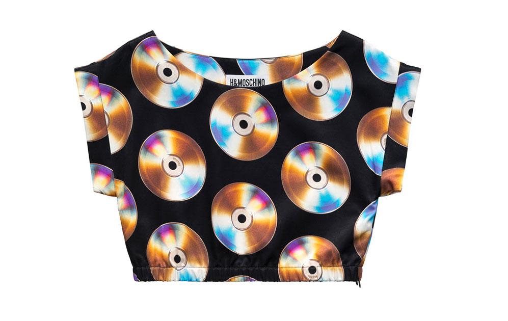 Svart crop top med cd-skivor som motiv från H&M x Moschino