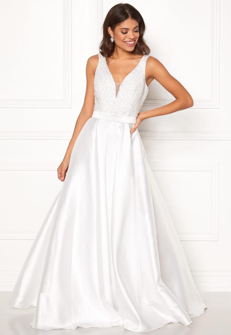 d3c17b523a22 Ska du gifta dig 2019? Här är 21 brudklänningar du kommer vilja ...