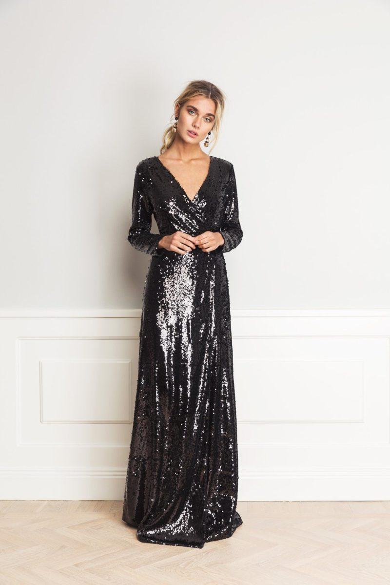 Lång glittrig klänning från By Malina