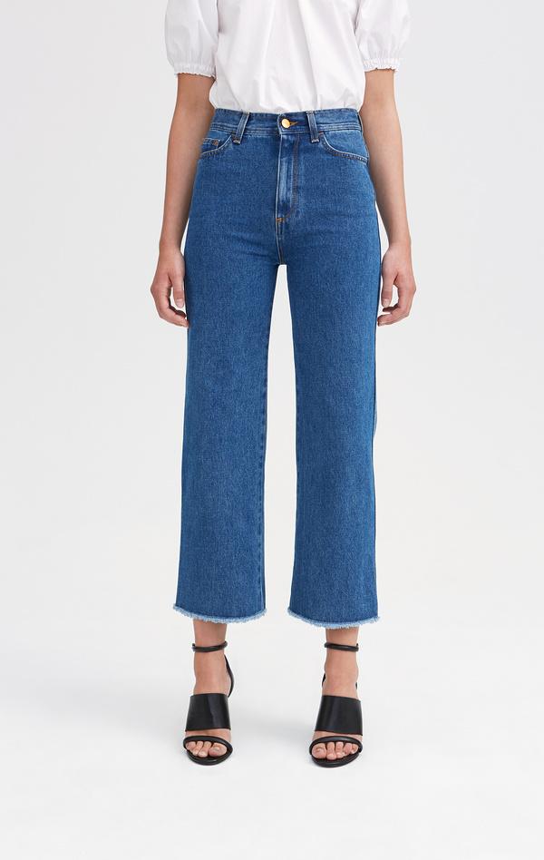 Snygga jeans i rak modell och mörk tvätt från Rodebjer. 23d9e51ca3bd5