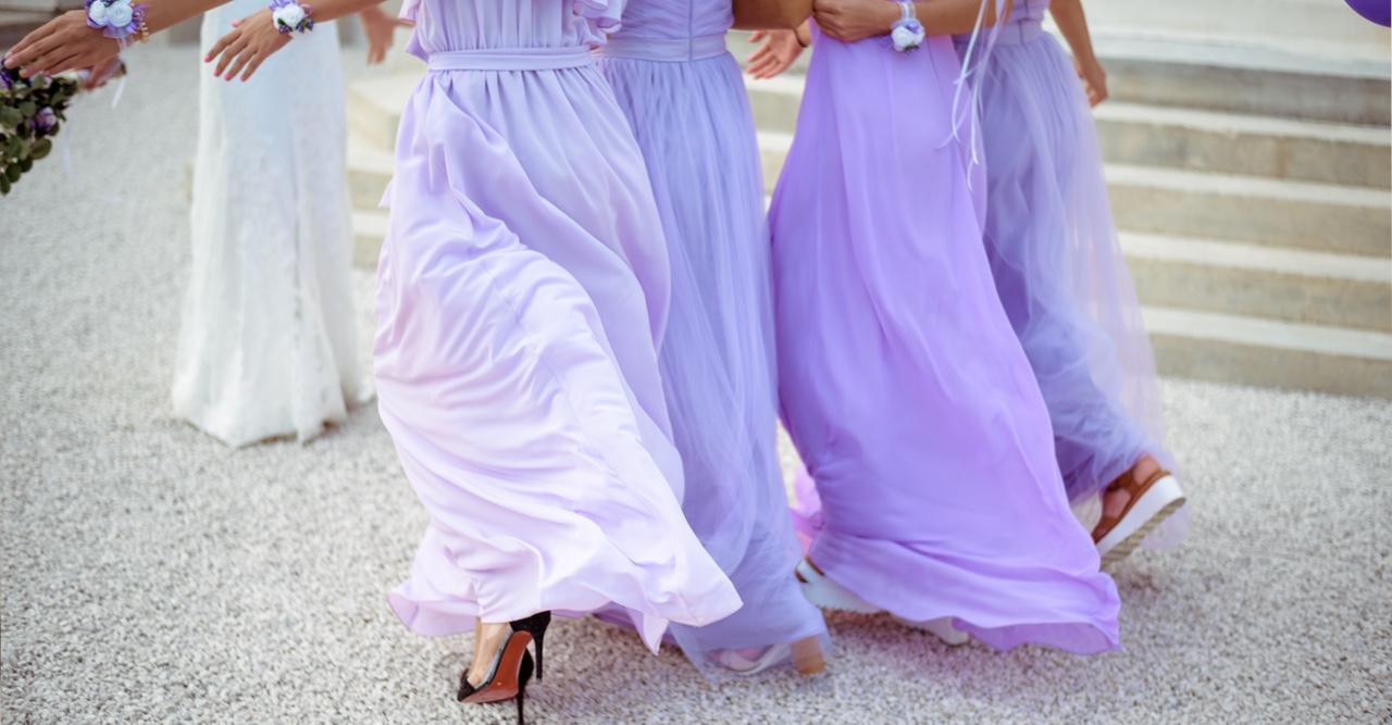 Klänningar till brudtärnorna i olika färger