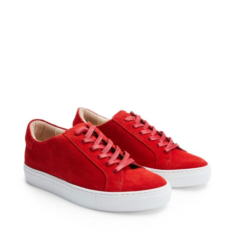3ac6149a98c Färgstarka sneakers i röd mocka från Rizzo. Här kan du shoppa skorna!