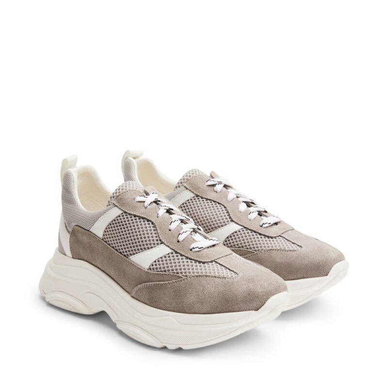 b5a547ef76d Sneakers i beige mocka med hög och trendig sula från Rizzo. Här kan du  shoppa
