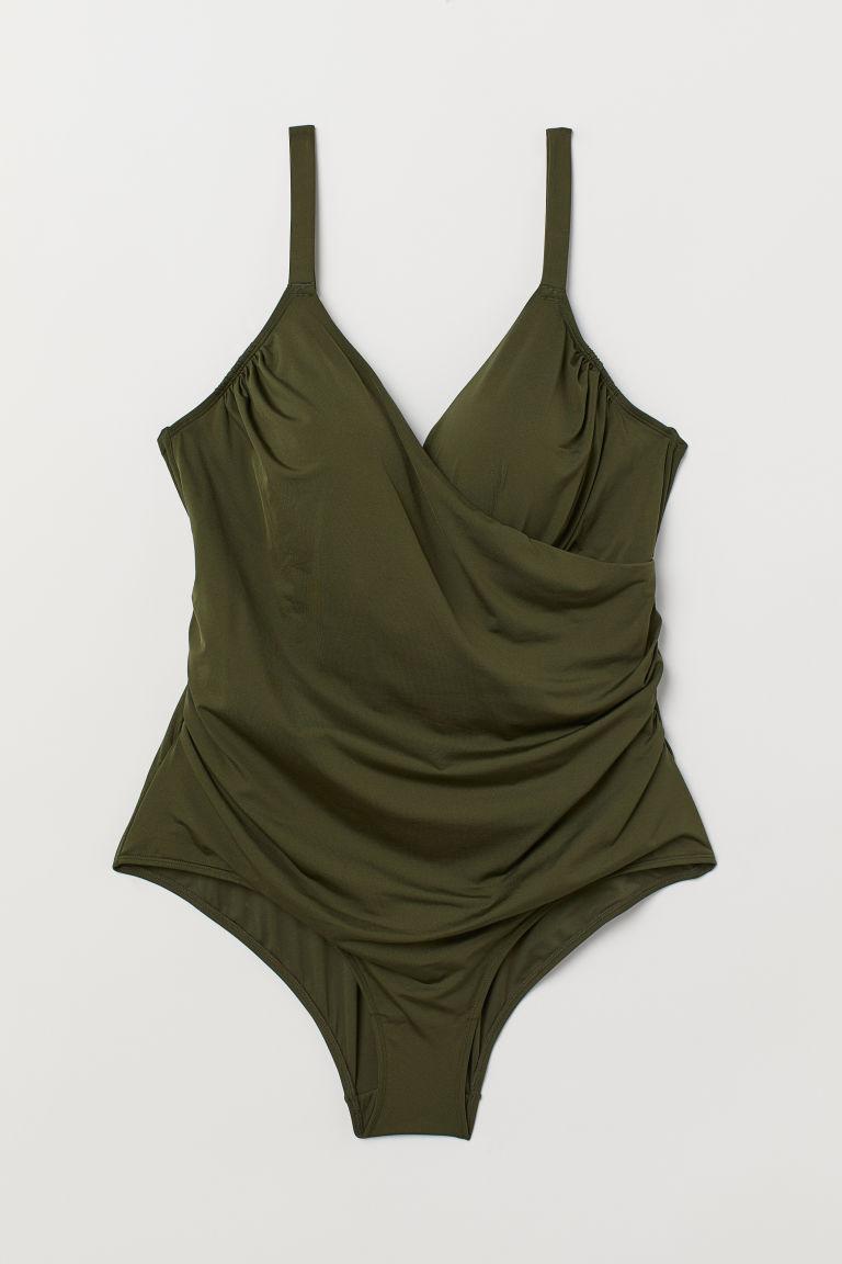 Omlottbaddräkt med drapering och lätt vaderade kupor från H&M. Här kan du shoppa baddräkten!