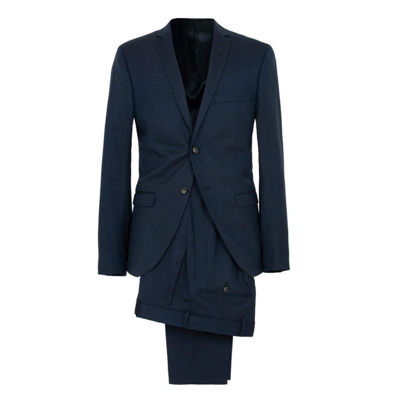 10ff4077f239 Mörkblå kostym som passar till klädkoden kavaj och mörk kostym, från Care  of Carl. Här kan du köpa den (reklamlänk via Apprl) .
