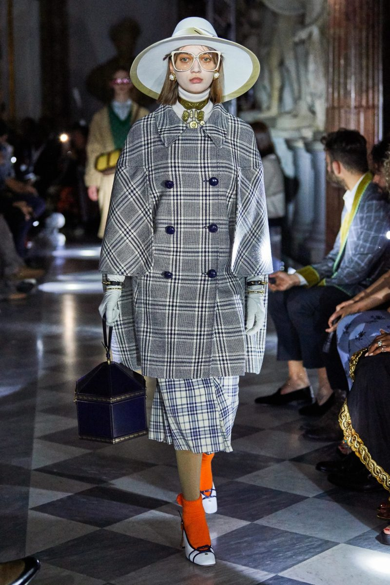 Rutigt set på catwalken under Gucci Crusie-visning 2020.