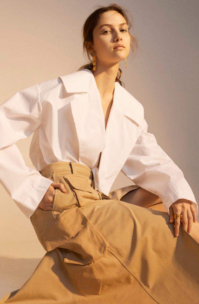 Tidlöst mode möter statement detaljer, vit skjortklänning från Bite