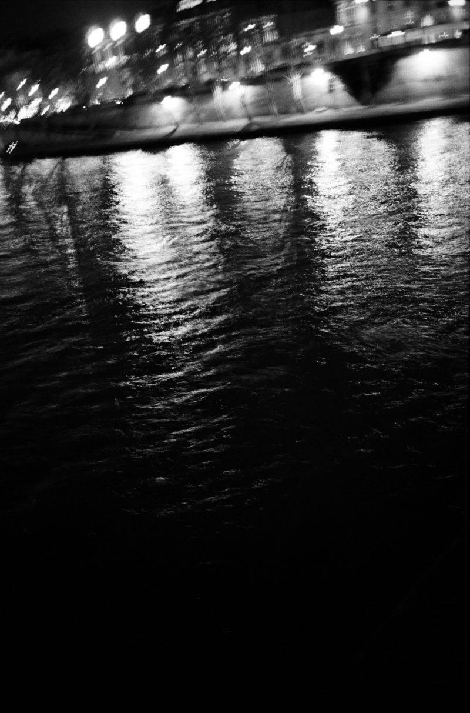 Lucia och fotograf Max Farago skapade konstnärliga verk som inspiration till makeupkollektionen Noir et blanc de Chanel.