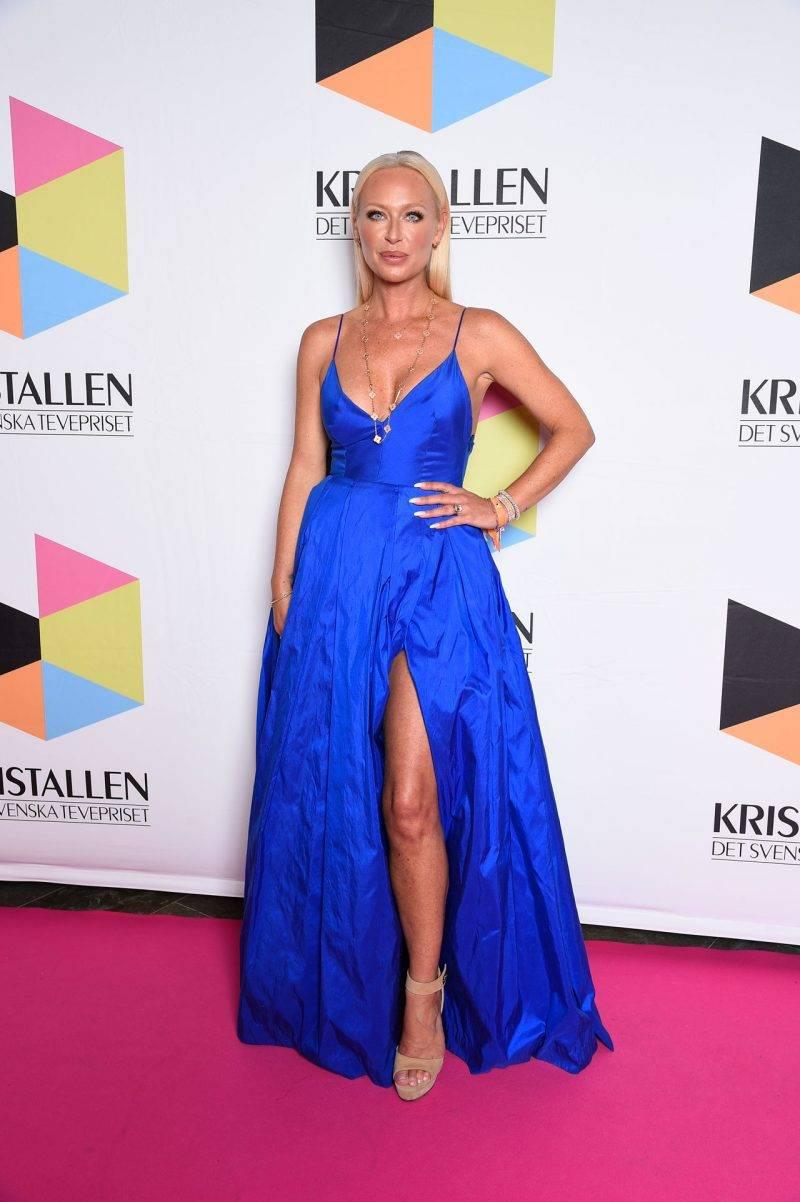 Isabel Adrian på röda mattan på Kristallen 2019