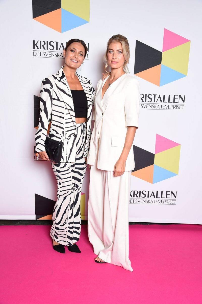 Susanne Thorson och Cecilia Forss på röda mattan på Kristallen 2019