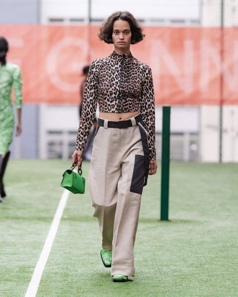 Ganni SS20-visning på Copenhagen Fashion Week, leopardmönstrad långärmad tröja