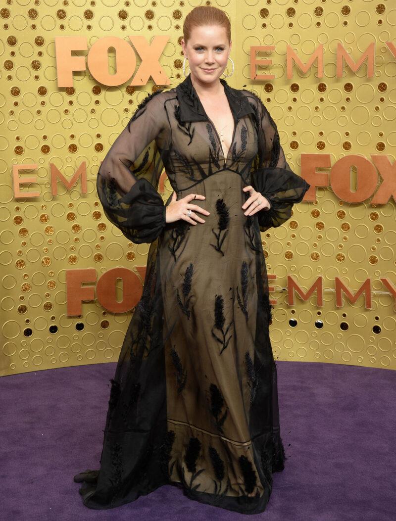 Amy Adams på röda mattan på Emmy Awards 2019