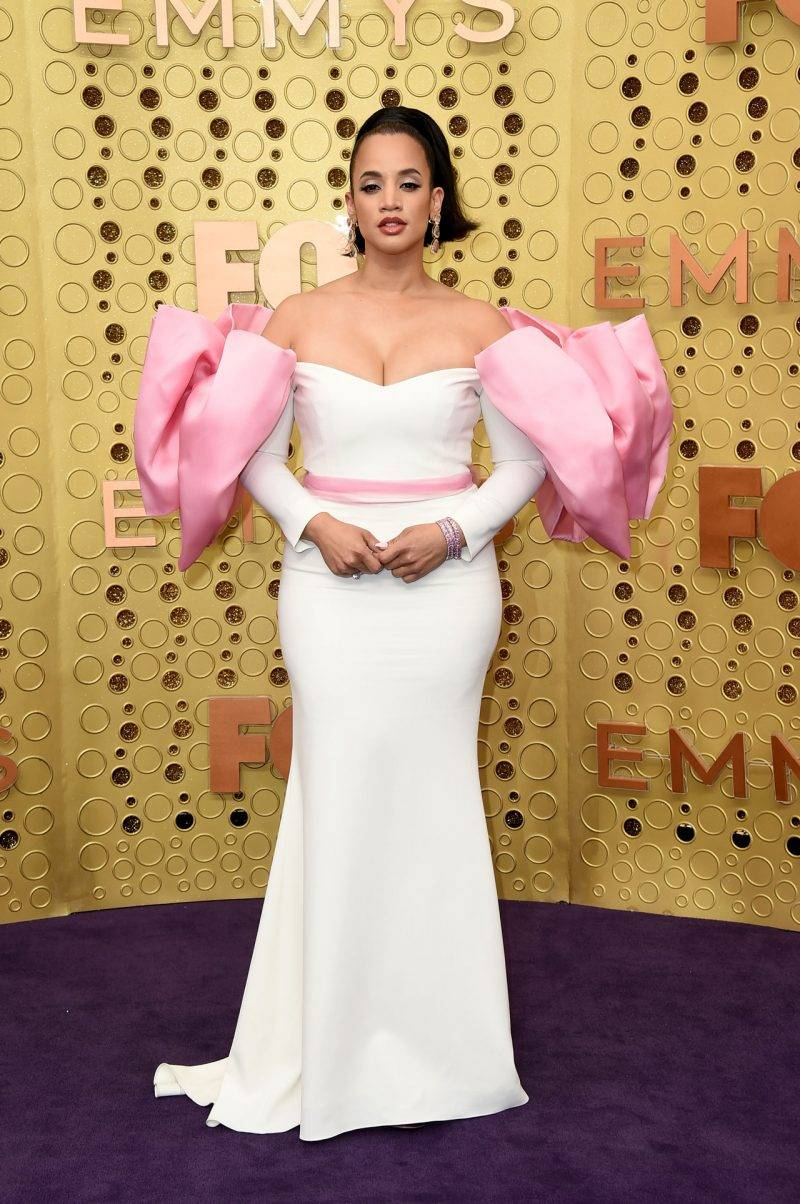 Dascha Polanco på röda mattan på Emmy Awards 2019