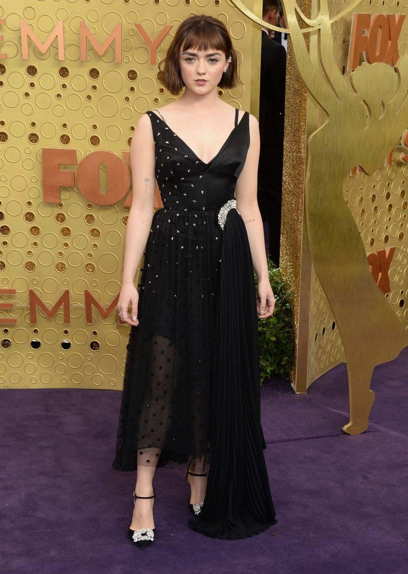 Maisie Williams på röda mattan på Emmy Awards 2019