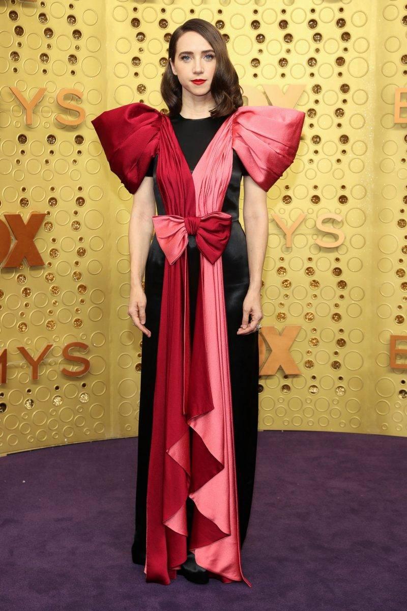 Zoe Kazan på röda mattan på Emmy awards 2019