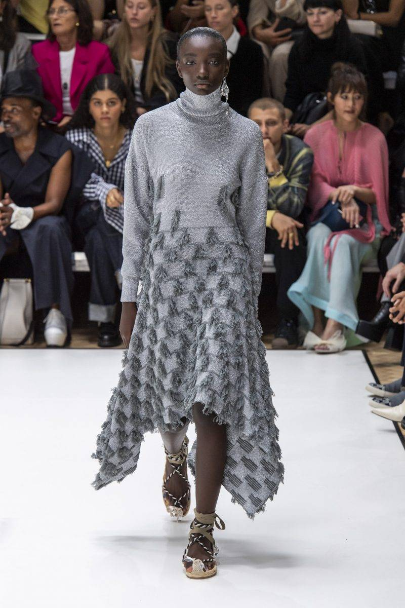 JW Anderson på London Fashion Week SS20, grå poloklänning