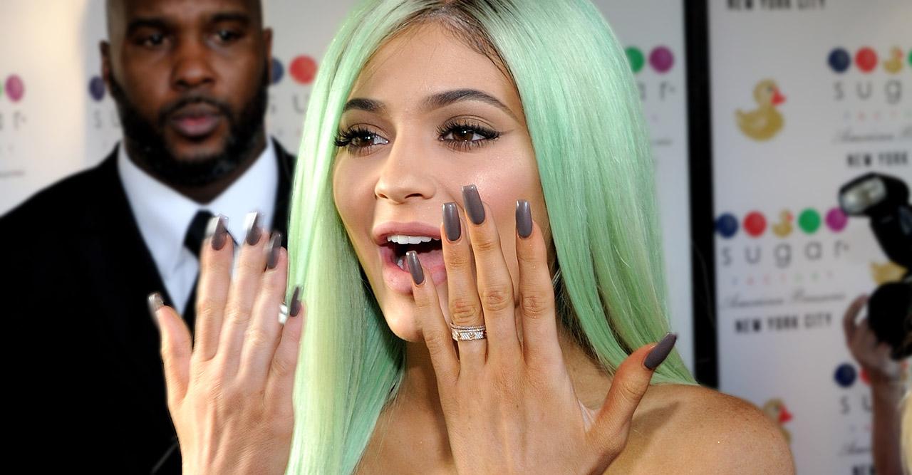 vad är naglar gjorda av
