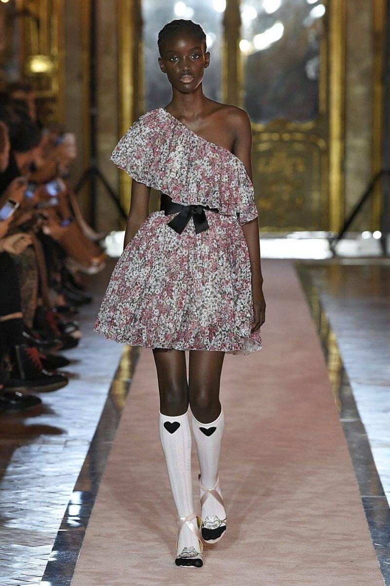 Blommig tyllklänning Giambattista Valli x H&M.