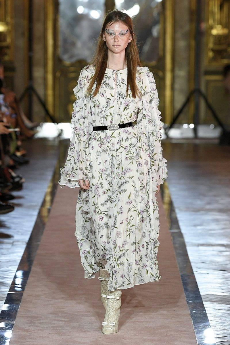 Blommig långklänning med markerad midja Giambattista Valli x H&M.