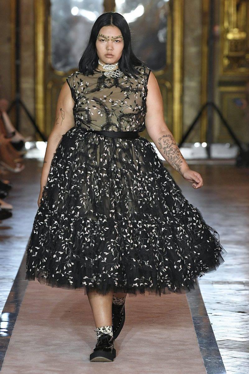 Tyllklänning med vackra dekorativa detaljer från Giambattista Valli x H&M.