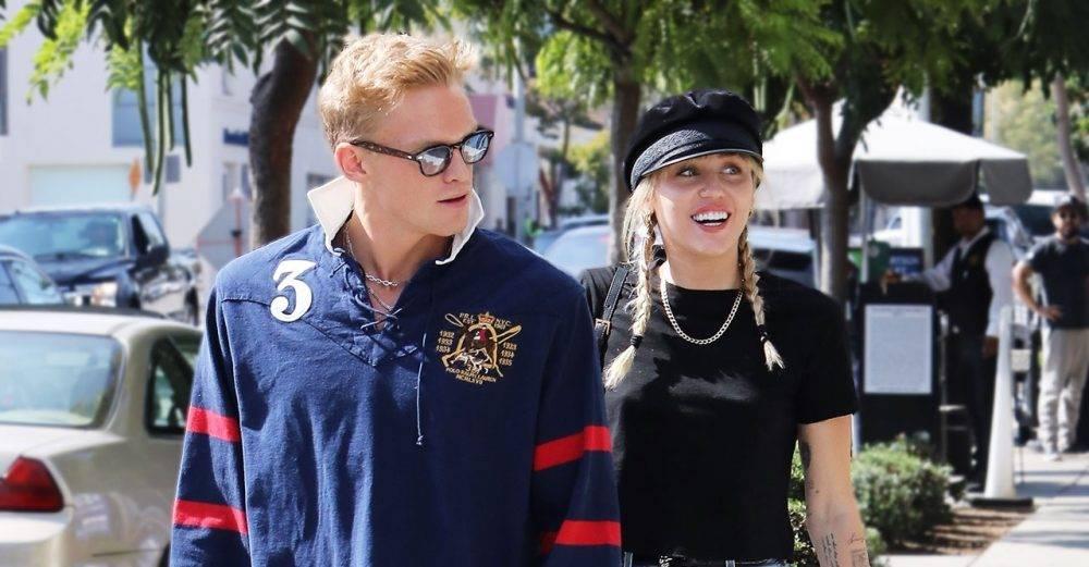 Miley Cyrus och Cody Simpson