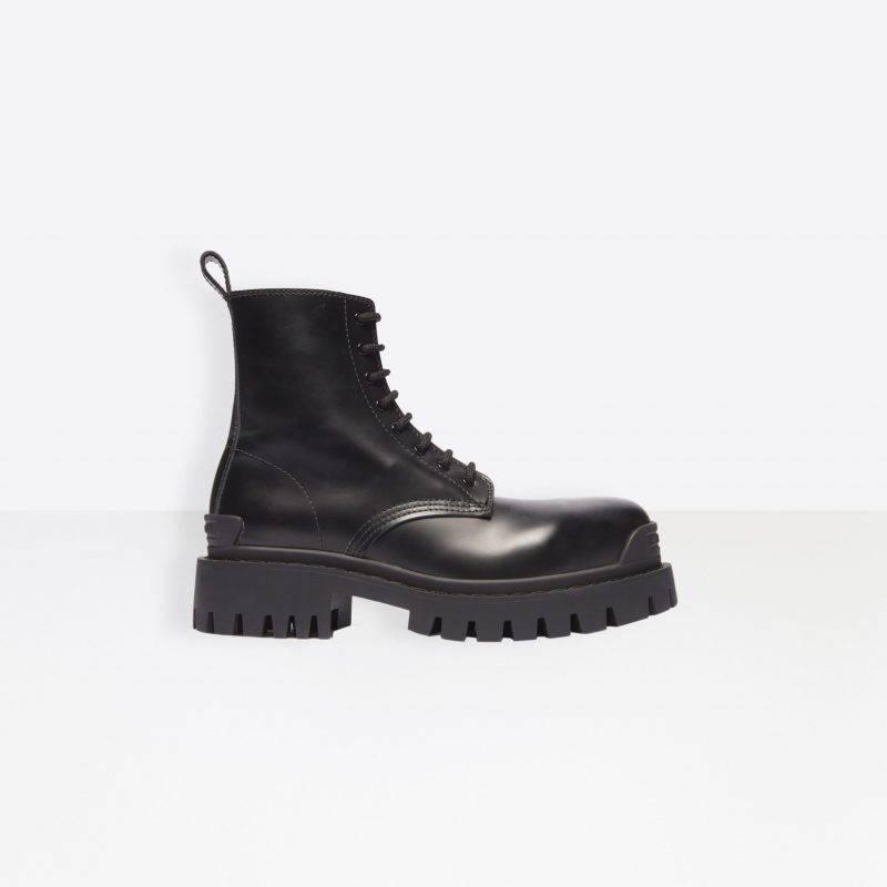 Chunky boots med platå och snörning från Balenciaga.