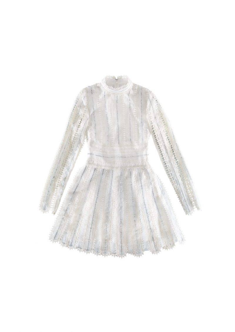 Långärmad klänning i vitt med mindre krage från Giambattista Valli.