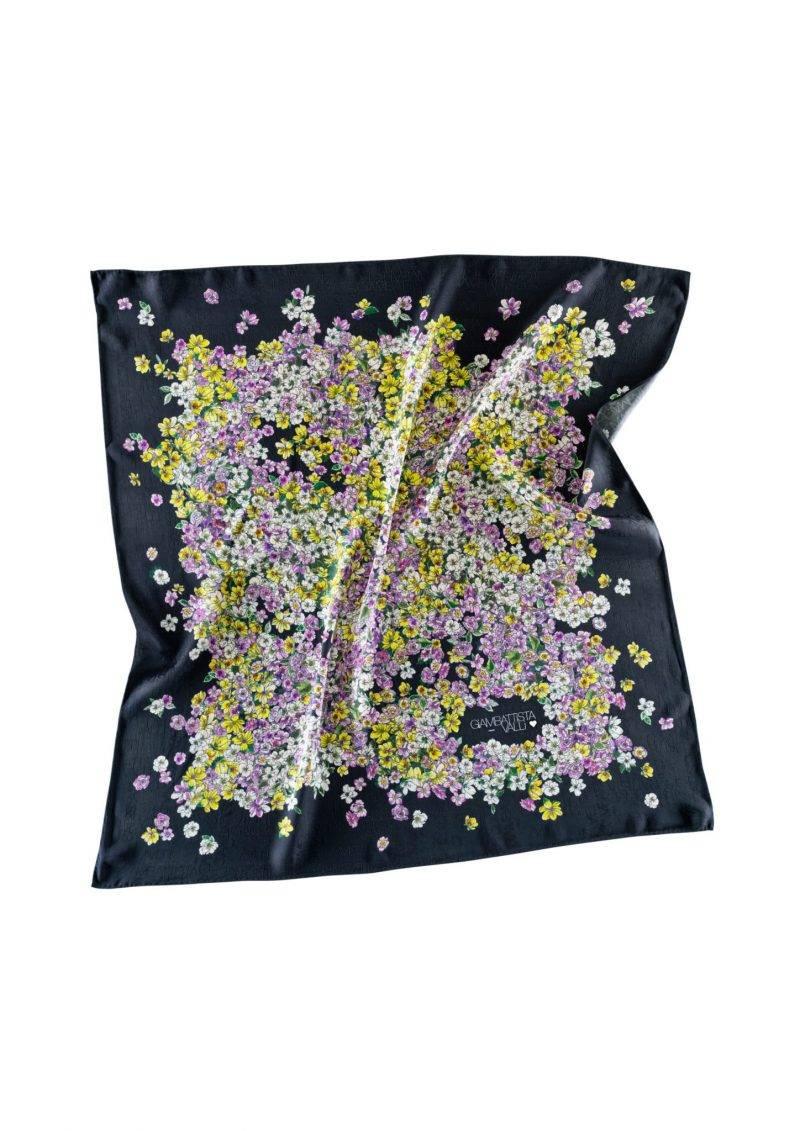 Vacker sjal från Giambattista Valli x H&M.