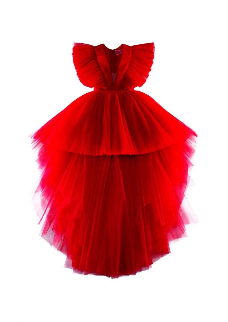 Maffig röd tyllklänning som bars av Kendall Jenner under visningen i Rom.
