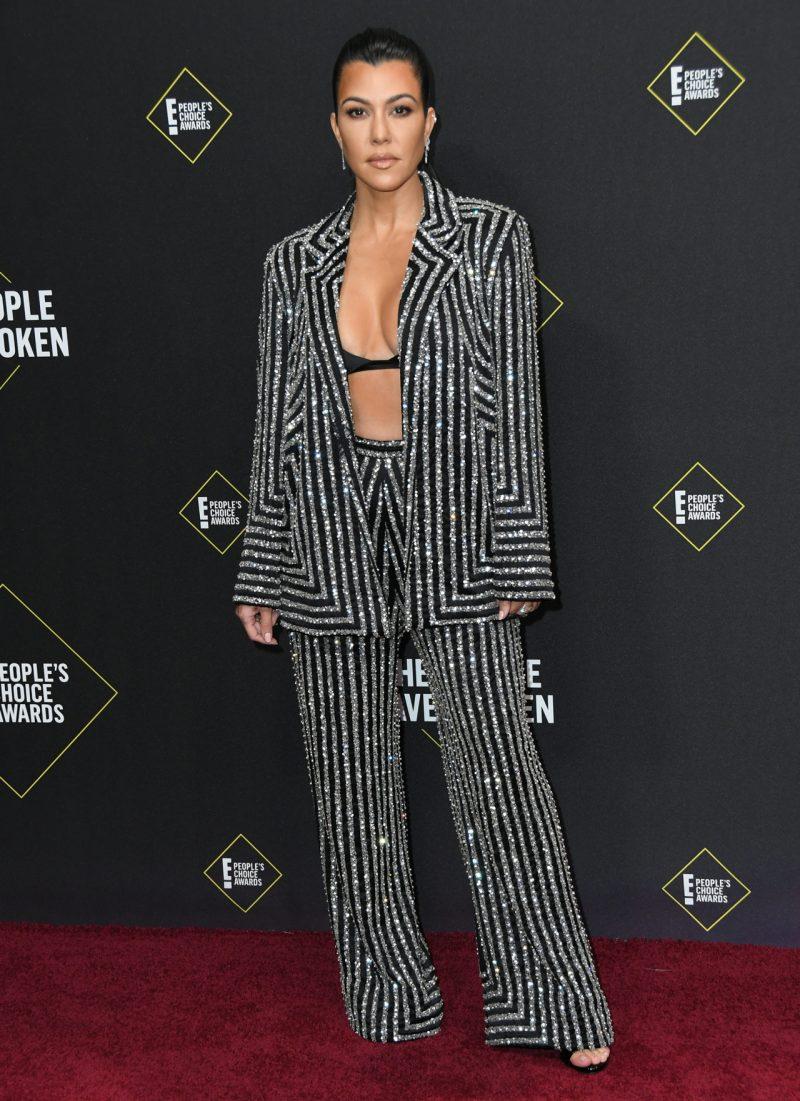 Kourtney Kardashian på röda mattan på People's Choice Awards 2019
