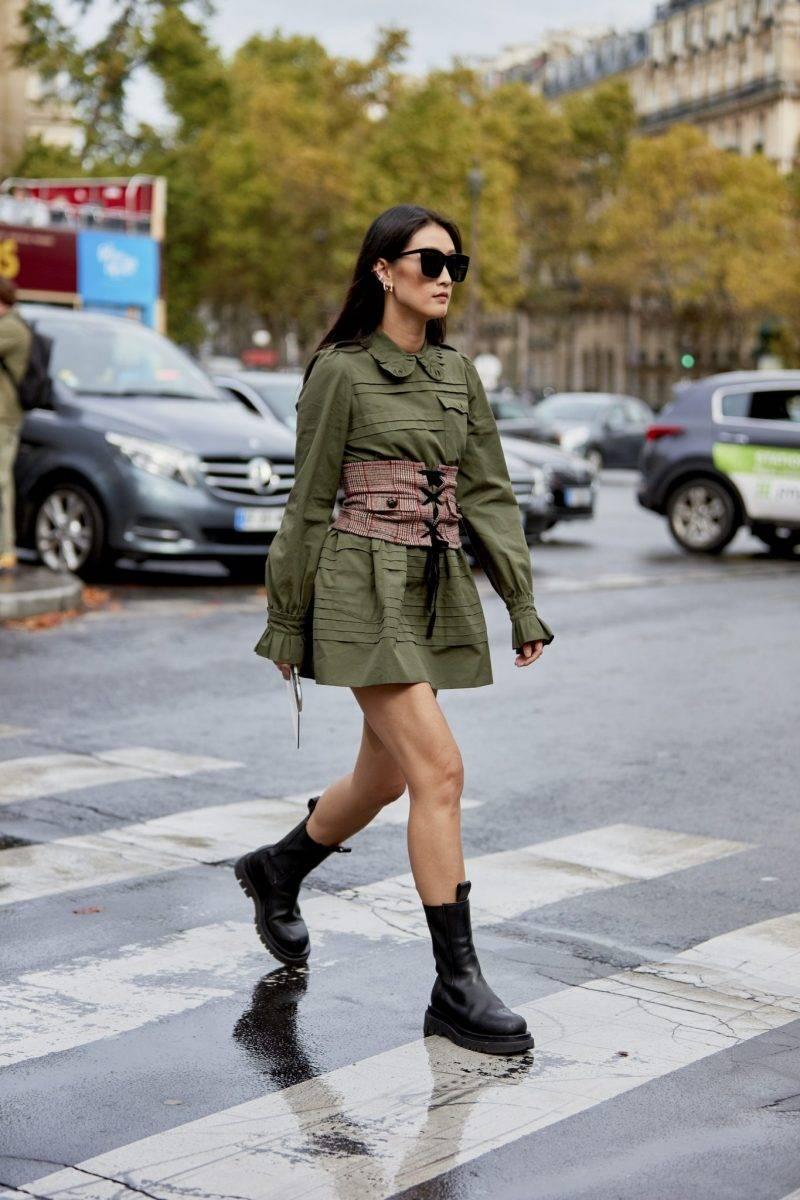 Streetstyleinspiration! Chunky boots med en kortare klänning.