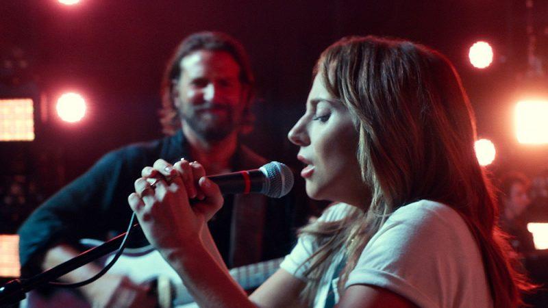 Lady Gaga som Ally i succéfilmen A Star is Born tillsammans med Bradley Cooper.