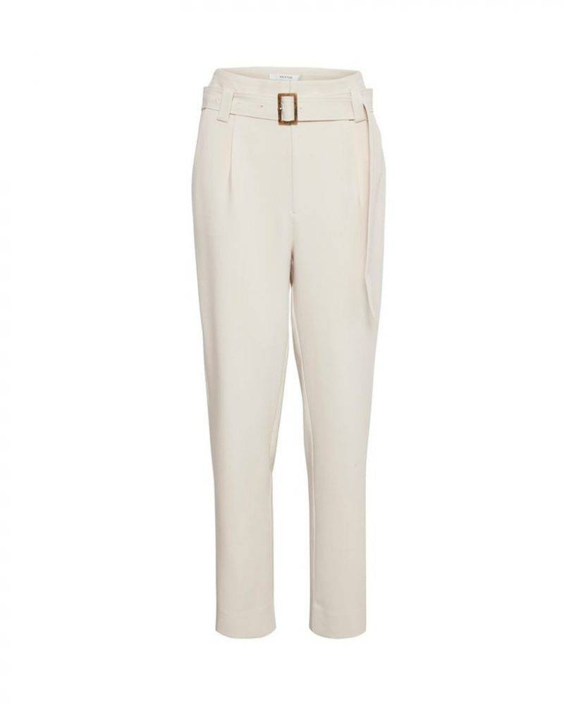 Vita byxor med hög midja och avslappnad passform från Gestuz.