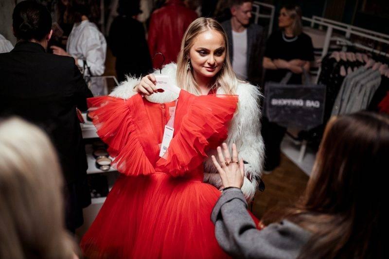 Alice Stenlöf på lanseringsevent för Giambattista Valli x H&M