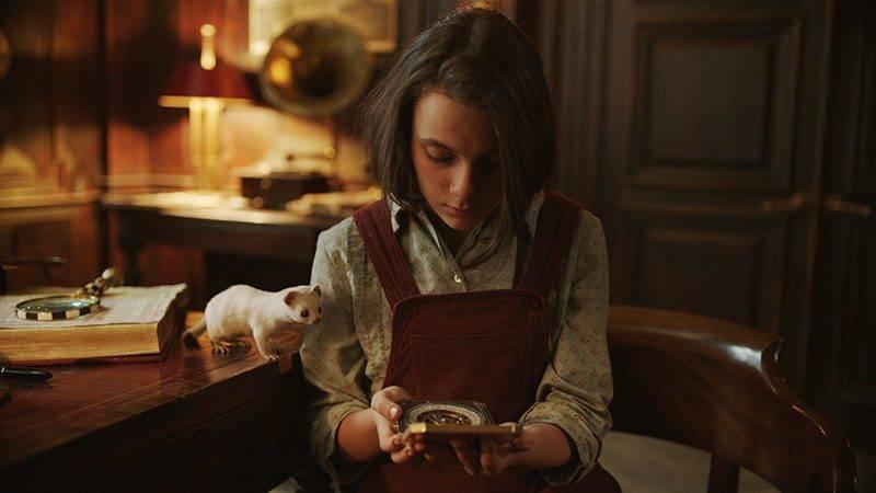 En bild på skådespelerskan Dafne Keen, som spelar Lyra i HBO-serien His Dark Materials.