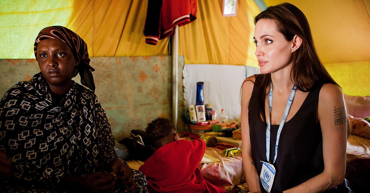 Angelina Jolie är engagerad i välgörenhet - bidra du med