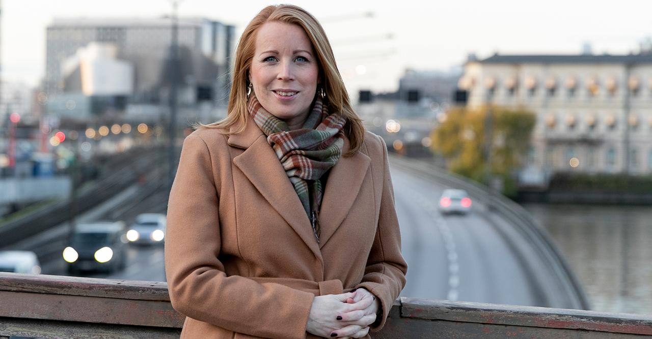Annie Lööf avslöjar dotterns namn – och berättar vilken vecka hon föddes i