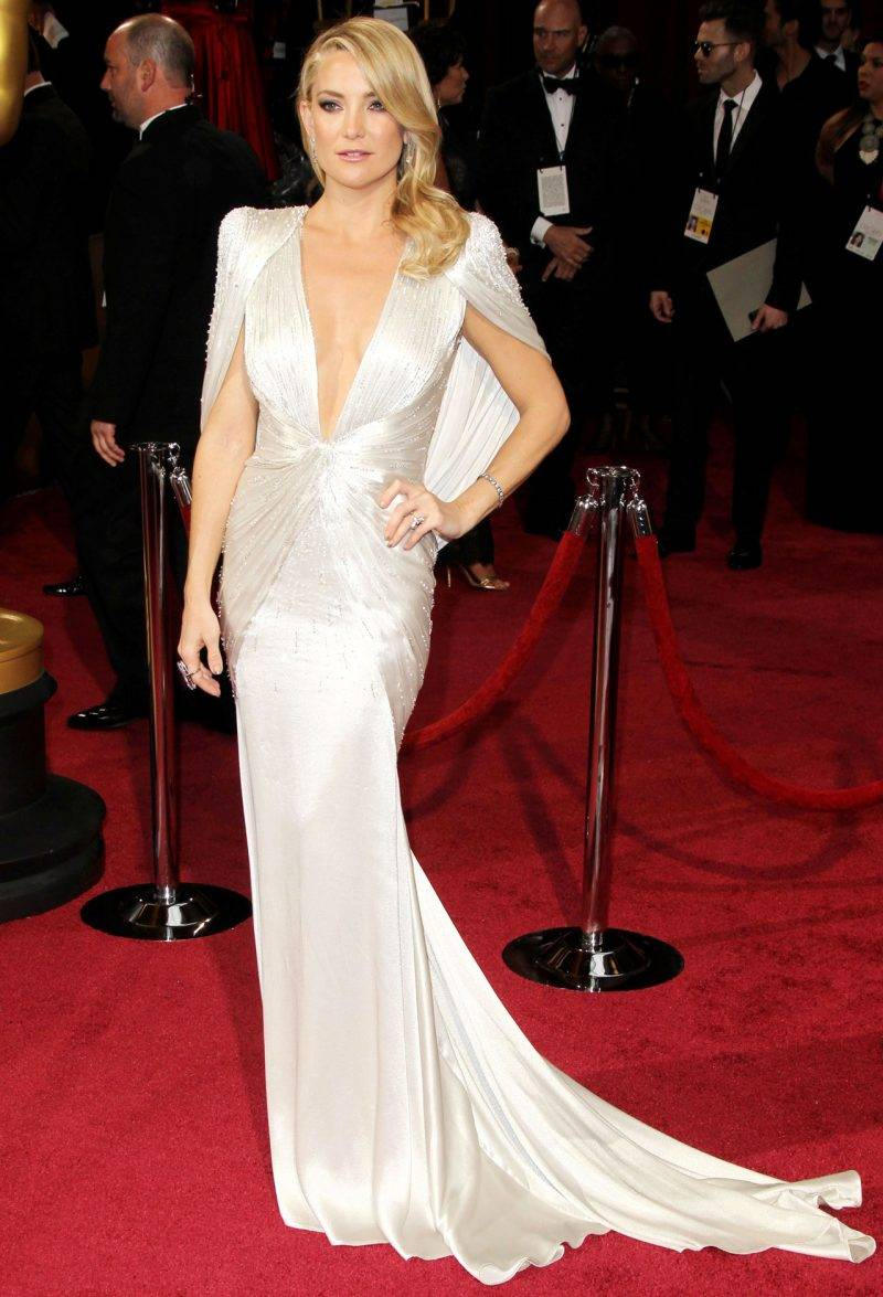 Kate Hudson i Versace på Oscarsgalan 2014