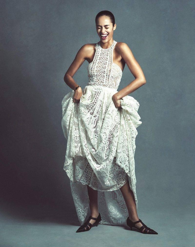 Festklänningar, vit med spetsdetaljer från Christian Dior