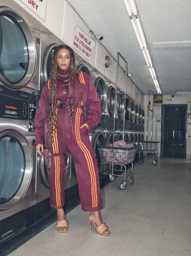 Beyoncé i intervju med ELLE, lila jumpsuit från Ivy Park x Adidas.