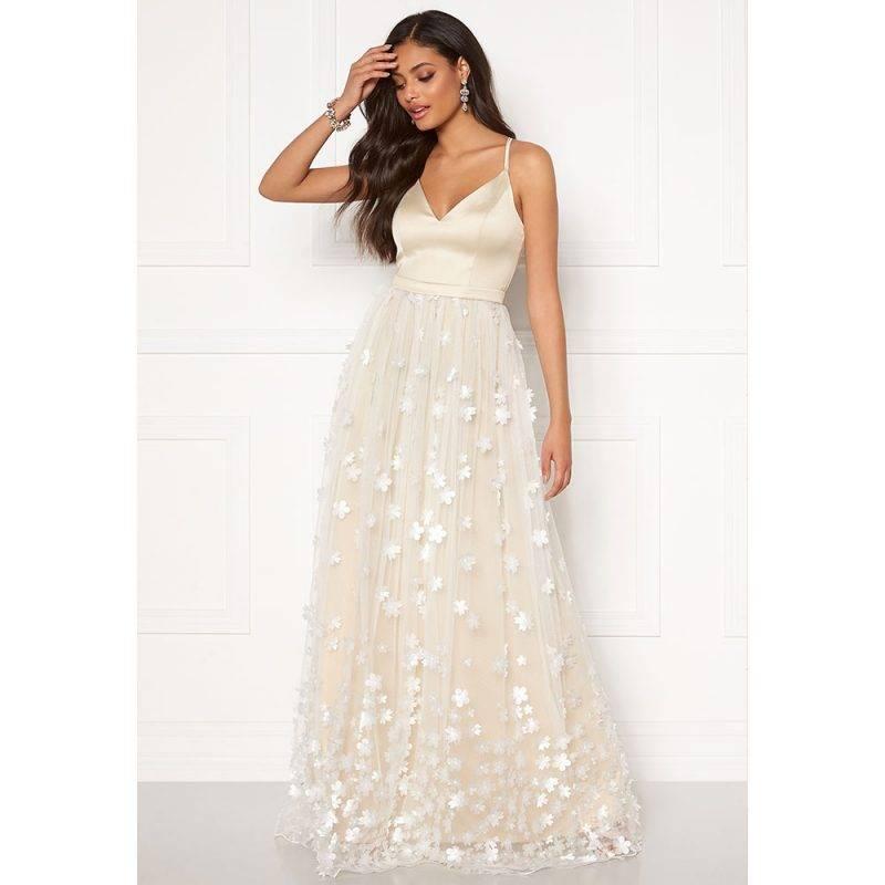 Moments of New York bröllopsklänning Eline dress