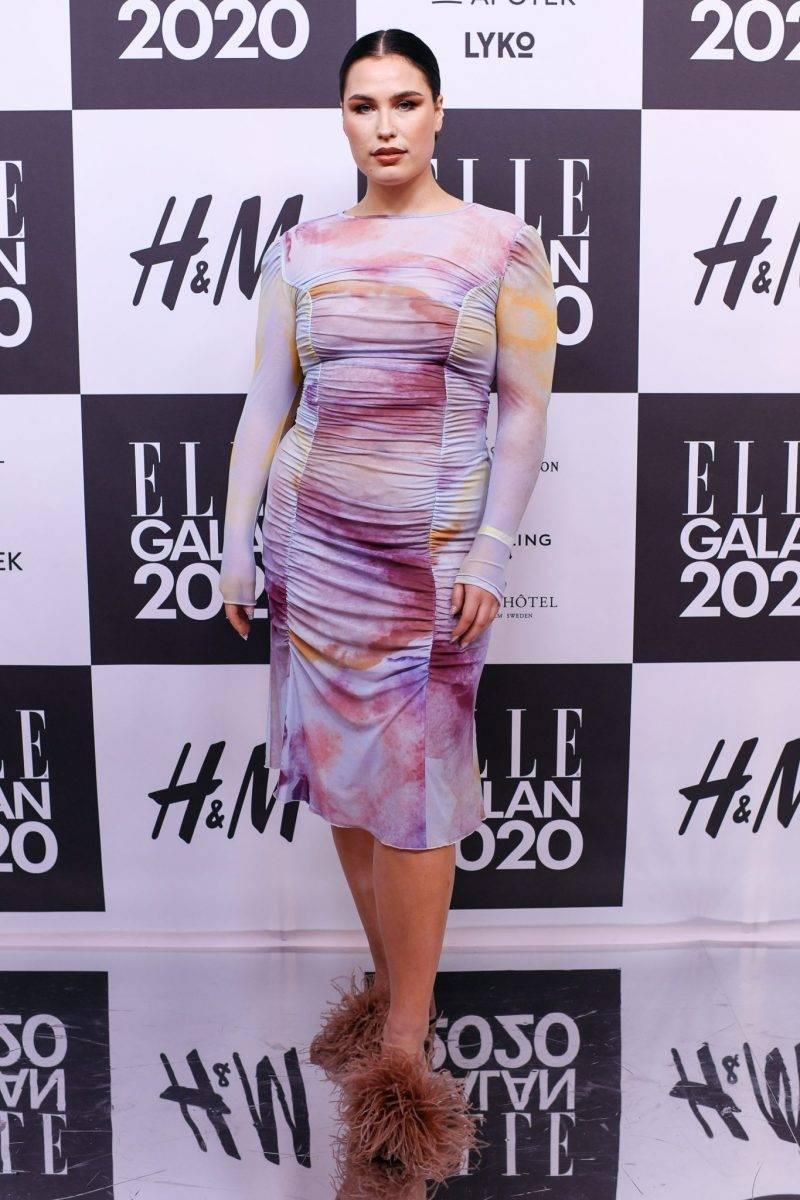 Molly Hammar på röda mattan på elle-galan 2020